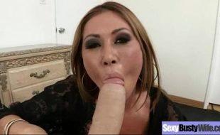 Vídeo porno da puta pagando boquete suculento do dotado
