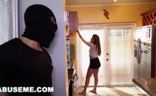 por no vídeos grátis com ladrão estrupando novinha